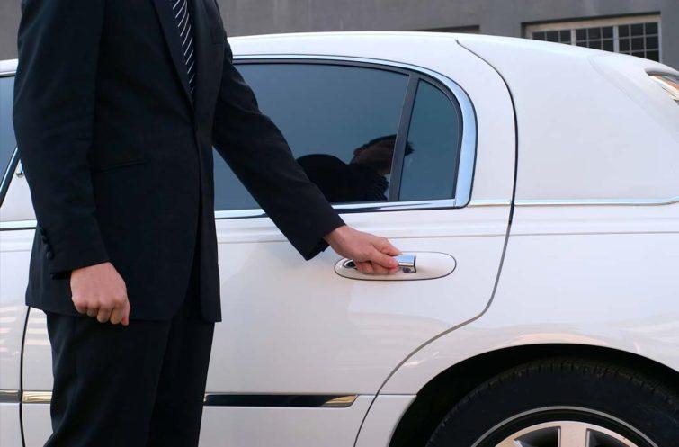 limo-driver-opening-door